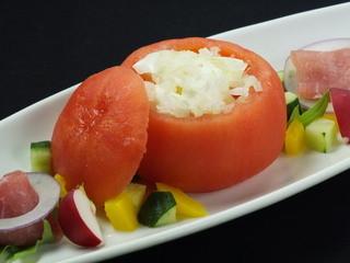 北の魚づくし - トマトチーズと生ハムのサラダ