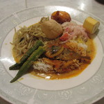 亜州食堂 チョウク - ナシカンダール スルタンセット+サンバルエッグ
