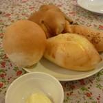スワロウテイル - ☆パンは4種類盛り合わせで♪☆