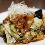 香龍 - 料理写真:回鍋肉(黒)