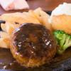 洋食屋 - 料理写真:1-1)ハンバーグとコロッケ(1,010円)