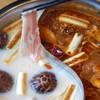 ろくまる五元豚 - 料理写真:五元豚流 火鍋しゃぶしゃぶ