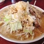 がっつり食堂ドカメン - 小豚らぁめん(700円)+大盛り無料