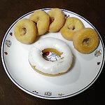 豆腐どーなつ専門店 ゆうゆう - ホワイトチョコドーナツ、ミニドーナツ