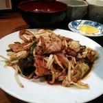 30408044 - 4番「豚肉と彩り野菜の味噌炒め」ローストガーリックの香り