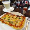 カフェ・ボアベール - 料理写真:2014.06_農夫のピザ(780円)+バナナジュース(580円)