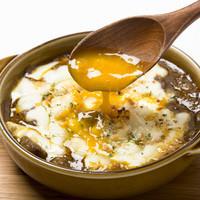 牛スジ煮込みのチーズオーブン焼き