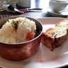 La Mere - 料理写真:炊き込みご飯、自家製パン