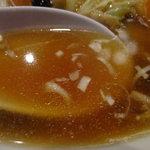 華龍飯店 - 旨み濃縮のスープ