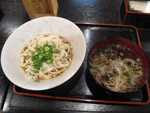 https://tabelog.ssl.k-img.com/restaurant/images/Rvw/30453/30453950.jpg