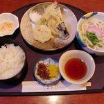 てまり亭 - 料理写真:寿司ランチ