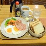 カウカウ カフェ - ハワイアンブレックファスト720円+コーヒー100円