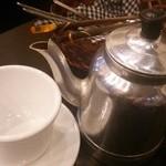 30509526 - おこわには蓮茶が付きます