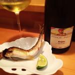 30509902 - 鮎の塩焼きと相性がよい白ワイン