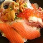 30517339 - 海鮮のっけ丼2200円
