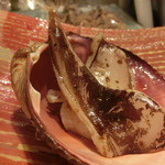 第三春美鮨 - とり貝の蒸しと炙りの対比。       とり貝 特大223g 素潜り漁 茨城県 こちらは備長炭炙り