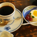 珈琲店 北地蔵 - 自家焙煎の珈琲(550円)と季節のケーキ(250円)