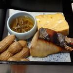 30545981 - じゅんさい、玉子焼き、鱸の西京味噌漬け、茹で落花生
