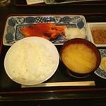 和味 大場 - 厚切り鮭塩焼きいくらのせ定食❤ランチは納豆かおん玉付♪