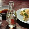 Kotobukian - 料理写真:日本酒 箱根山一合(600円)と小田原ちくわの磯辺揚げ(390円)
