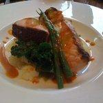BISTRO LAROCHE - 魚料理(鮭)