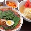 食樂  - 料理写真:〆には、盛岡冷麺派?カルビラーメン派?