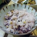 CAFE&KITCHEN ROCOCO - 御飯は80円足して変更してもらった十五穀米、これも身体に優しい食材です。