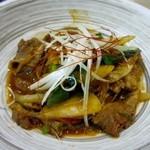 CAFE&KITCHEN ROCOCO - メインのお肉料理はこの日は牛肉と春雨の韓国風プルコギ炒めでした。