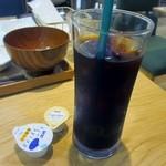 CAFE&KITCHEN ROCOCO - 料理の最後は飲み物にアイスコーヒーを追加してちょっとゆっくりと料理の余韻を楽しませていただきました。