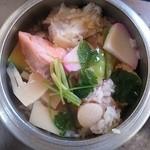 釜めし まこと - 北海釜めし炊き上がり
