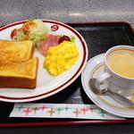 勝央サービスエリア(下り線)レストラン - モーニングセット