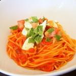 ハピネス - フレッシュモッツアレラチーズとトマト、大葉のトマトソース