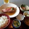 よらんせ - 料理写真:煮魚定食880円