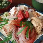吉川鮮魚店 - 2010.1 刺身盛り2,000円+ご飯セット300円