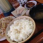 八里九里家 - 野菜炒め定食