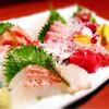 俺のやきとり - 料理写真:とれたて鮮魚「日替りお刺身盛り」
