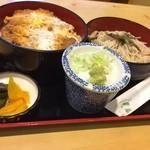 若松 - 料理写真:2014.09 かつ丼セット(全景)