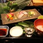 北新地 弧柳 - 魚庭:明石の鯛、まぐろに卵黄醤油漬け、関アジ、いしかげ貝