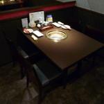 牛の恵 - テーブル席と個室が有ります♪