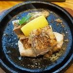 稲田屋 - ハーブ鶏の岩塩焼き830円(税込)