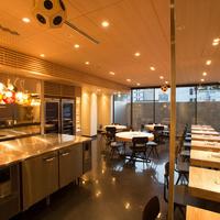 ライブ感のあるオープンキッチン