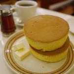 イワタコーヒー店 - ホットケーキ 800円