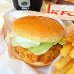 ケンタッキーフライドチキン - 料理写真:チキンフィレサンドセットにコールスローを追加♪
