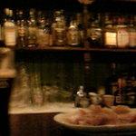 Irish Pub Sam's - 店内の雰囲気(カウンター)