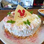 リスカフェ - ホールの苺ショートケーキ