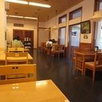 和食処 梵 - 店内・テーブル席