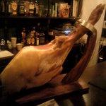 Irish Pub Sam's - 生ハムの豚さん