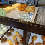 Boulangerie Chez FaFa - パン売り場