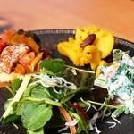 南町テラス - 料理写真:2014年9月下旬 本日のお皿 シラスのサラダ、白和え、カポナータなど