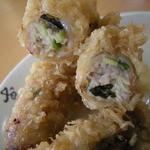 陳家蚵捲 - 近隣から入って来る新鮮な牡蠣は小粒ですが、鮮度抜群で香りも良いですね。